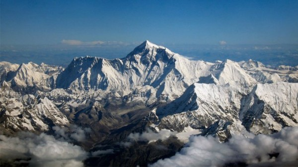 Lockdown Effect: Impossible View of Himalayas Captured by Photographers in India After 30 Years