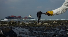 Eco-Friendly Methods to Clean Oil Spills
