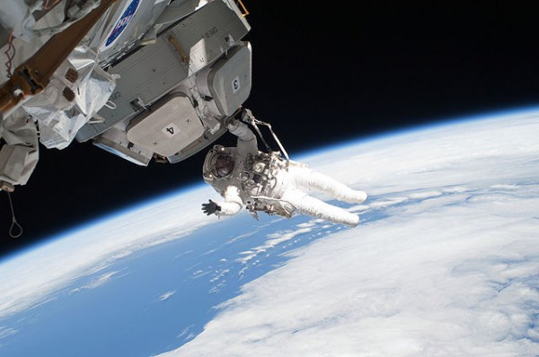 Science Times - There's No 'Up' or 'Down' Direction in Space, Here's What Researchers Tell Us About How Our Brains Should Deal with It