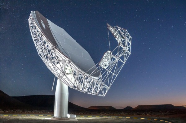 South Africa's MeerKAT Telescope Discovered Two Giant Radio Galaxies