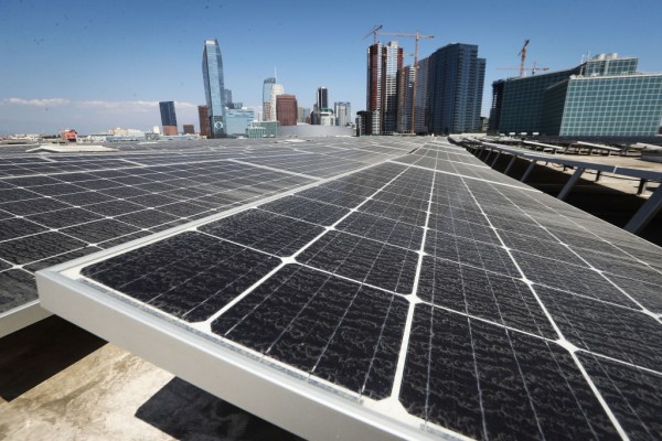 Landmark Bill Committing California To Clean Energy By 2045 Awaits Fate On Governor Brown's Desk