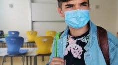 Science Times - Should We Wear Always Wear Mask Outdoors to Avoid COVID-19? Here's What Experts Say