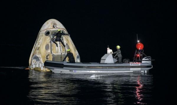 Splashdown SpaceX Crew-1 de la NASA