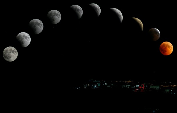 timelapse-photography-of-moon-1275413/