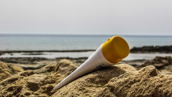 Science Times - Coral Reef-Friendly Sunscreen: New Research Shows How a 100-Year-Old Drug Can Support Environment, Protect Skin