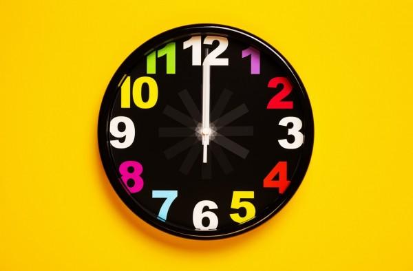 black-and-yellow-analog-clock-3283142