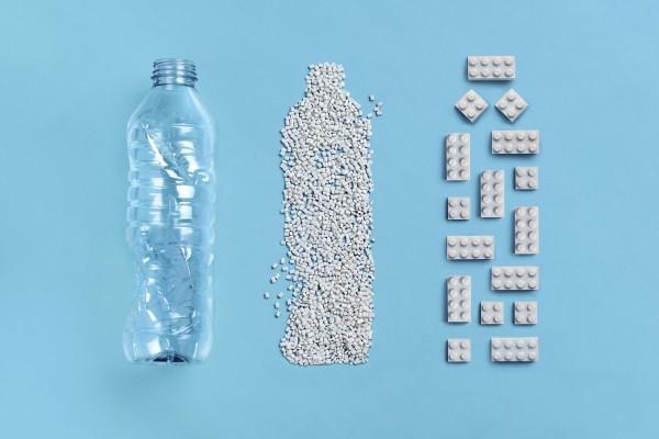 Transforming PET Plastic Bottles into LEGO Bricks