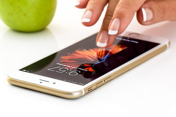 Science Times - Phone Charger at Your Fingertips: Researchers Show How You Can Power up Your Mobile Device With Your Finger