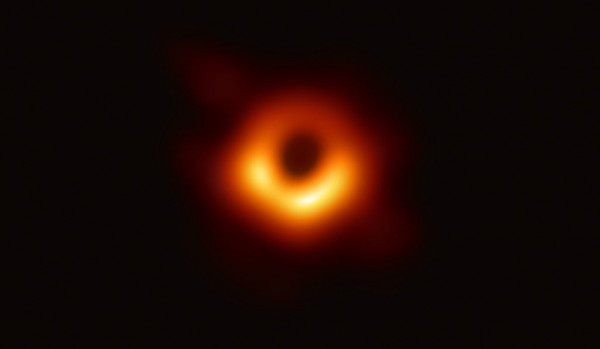 Science Times - Light Behind Black Hole: A Never-Before-Seen Phenomenon for Astronomers