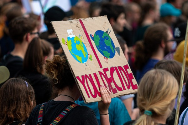 14,000 Scientists Declare Climate Emergency, Warn Ignoring Climate Change Awaits
