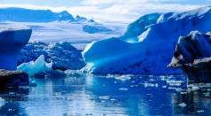 iceberg-on-body-of-water-digital-wallpaper-464345