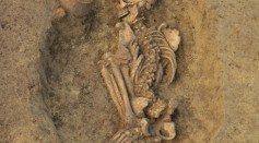 Burials at Popova zemlja were typically along the walls of pit houses or in other pits with ceramic vessels near their heads.