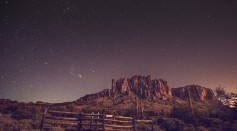 night-time-on-a-desert-background-262738