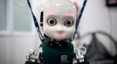 Science Times - Robot Eyes Can Affect Human Behavior; A Strategy Scientists Developed in a Game
