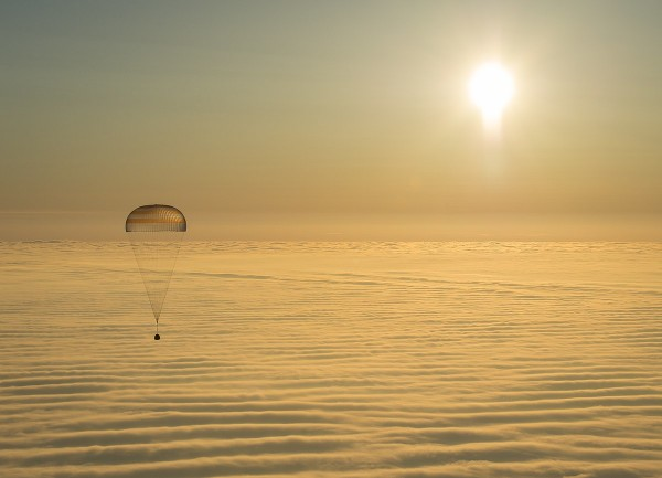 Retired NASA Astronaut Shares What It's Like to Land on Earth, Compares It to a Series of Car Crashes