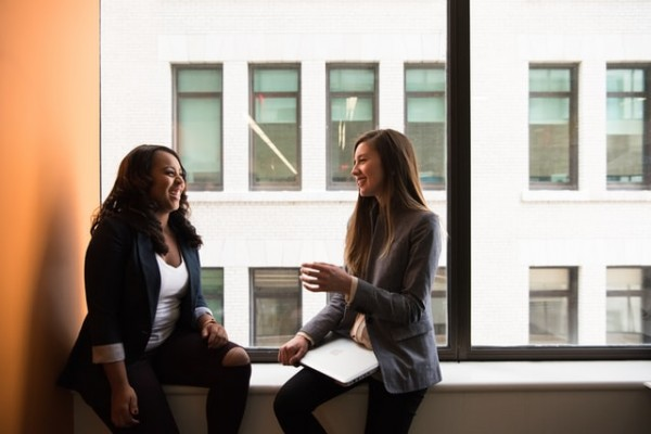 Science Times - Eye Contact: Research Reveals How It Makes Conversation More Engaging; Leads To Good Communication