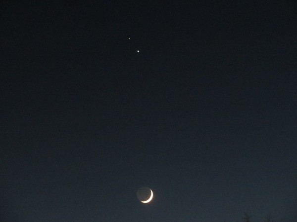 Go Skywatching This Week As the Moon Creeps Up to Saturn, Jupiter When They Take the Spotlight