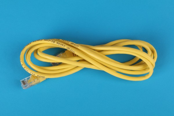 yellow-cable-3541555/
