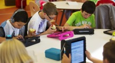 Study shows that computers in classroom if not guided properly become a distraction and hindrance to learning