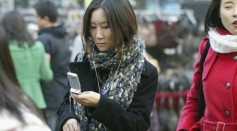 Texting while walking pose a 'serious issue' according to study
