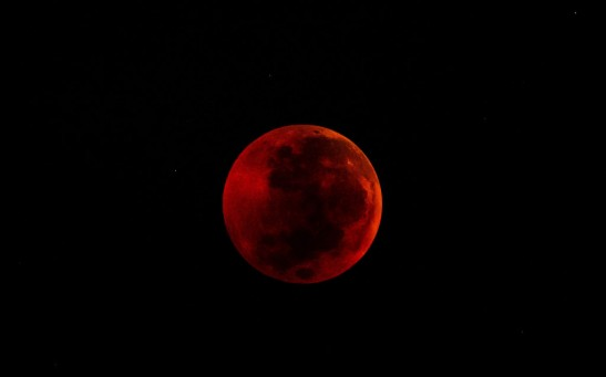 Science Times - Total Lunar Eclipse: Here's What NASA Says About Why the Moon Turns Red During Such Occurrence