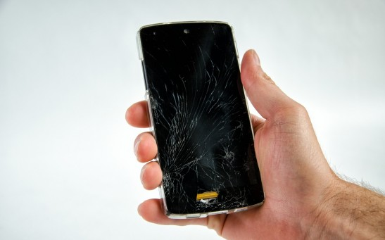 Science Times - Cracked Cellphone Screens: Research Unveils How Self-Healing Polymers Can Help Fix Your Device Fast and Cheap