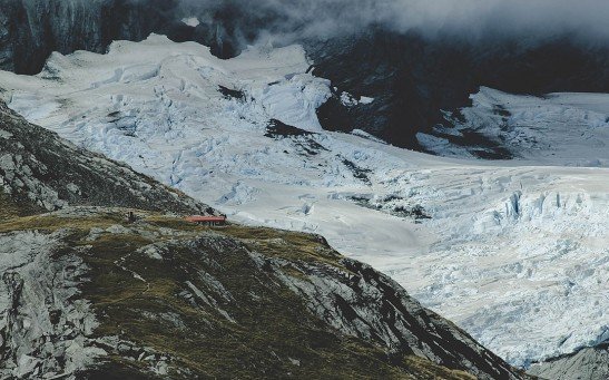 Mount Aspiring National Park, South Island, New Zealand (Unsplash skeSzEL27F0)