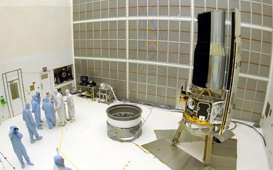 NASA Displays Space Infrared Telescope
